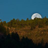 Moonset behind Tamadaba